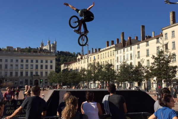 DEMO BMX PLACE BELLECOUR